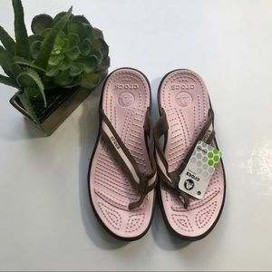 CROCS Capri Suede Pink/Brown Sandals NWT - Size 8